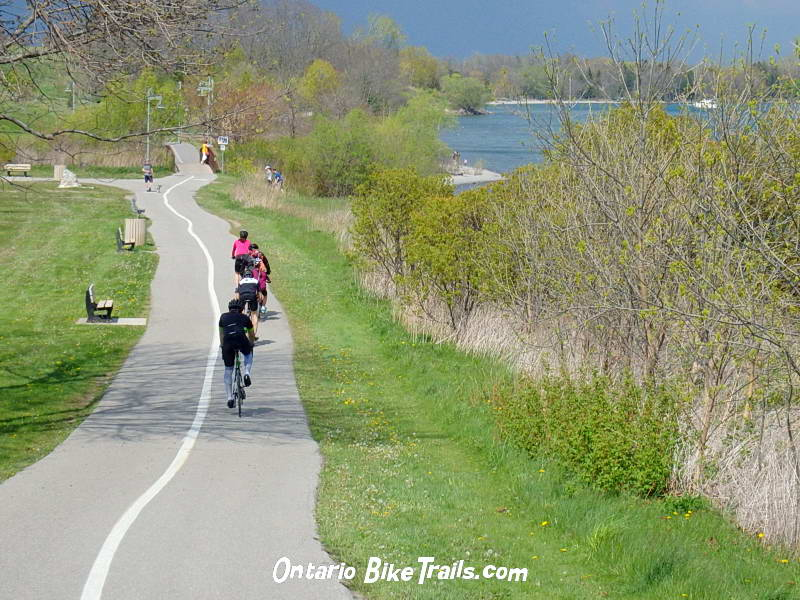 Ajax Waterfront – Park Trail