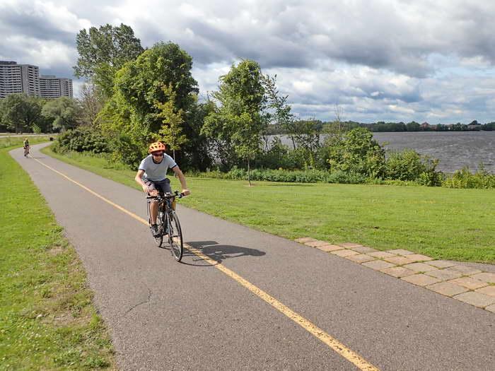Upper Ottawa R. – Park Trail